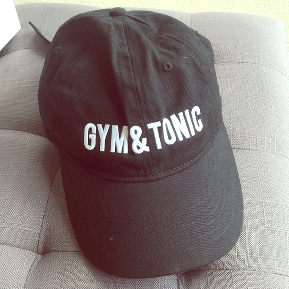 """Express Accessories - """"Gym & Tonic"""" hat"""